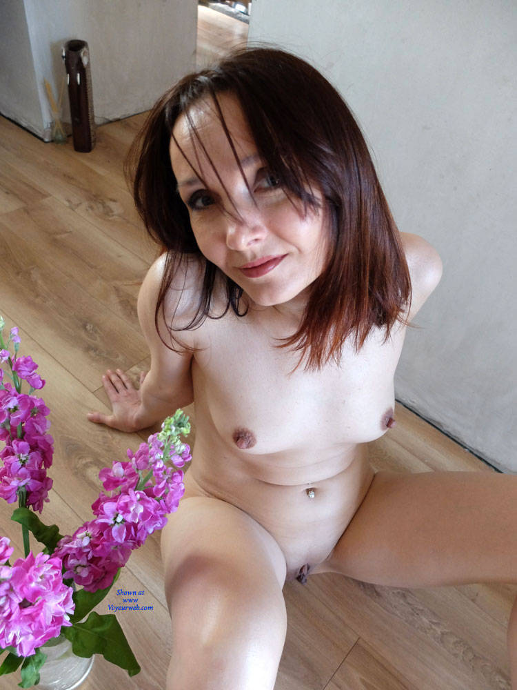 Pic #7 Wearing Only Erotic Aroma - Nude Girls, Redhead, Shaved, Amateur, Firm Ass