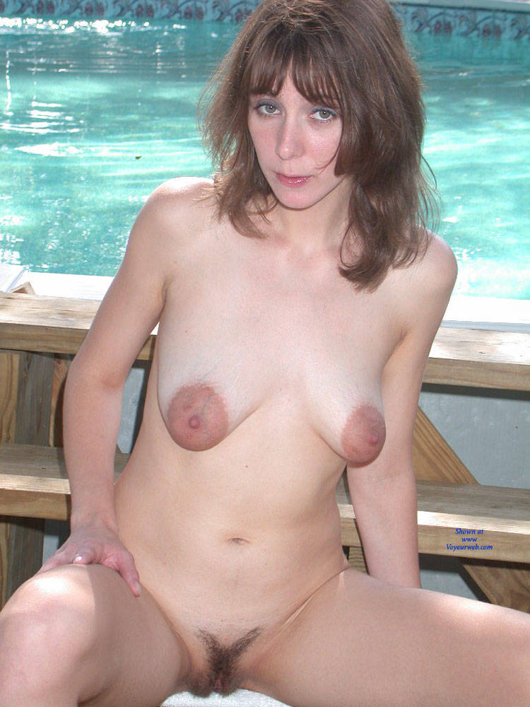 naked girl puffy nipples in public