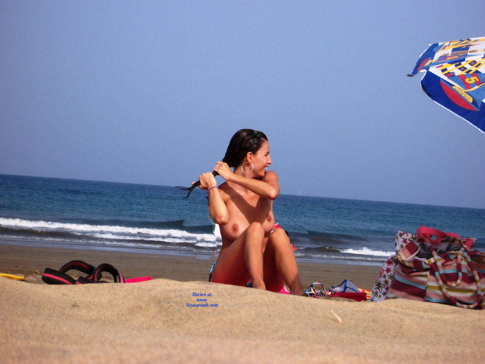 Pic #7 Great Topless - Topless Girls, Big Tits, Brunette, Outdoors, Beach Voyeur