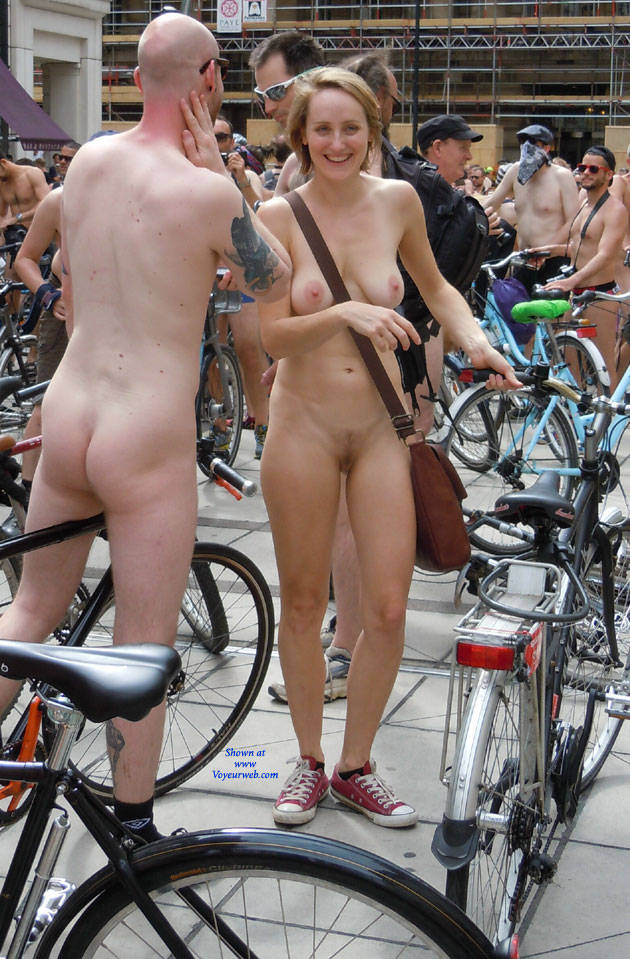 Girls bike Nude
