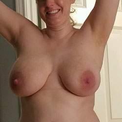Relaxing Time - Nude Girls, Big Tits, Amateur