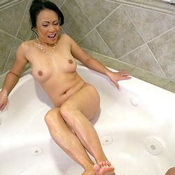 Foot Bath - Nude Girls, Big Tits, Brunette