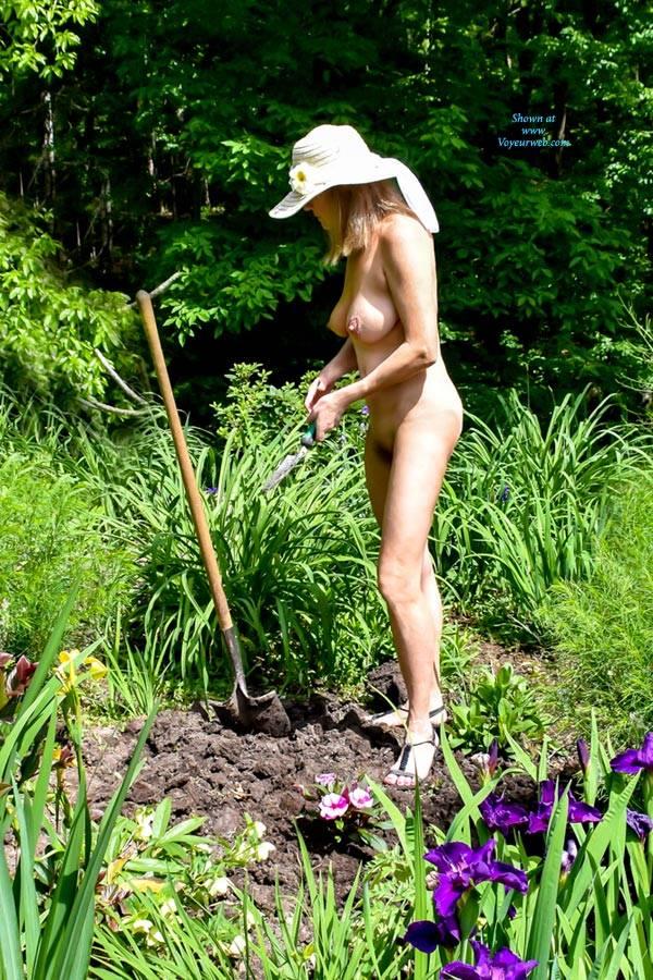 World Naked Gardening Day 2017 - May, 2017 - Voyeur Web-4995
