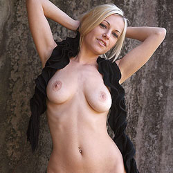Outside Scarf - Nude Girls, Big Tits, Blonde, Outdoors, Shaved