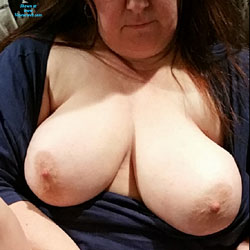 My Jiggly Wife - Nude Wives, Big Tits, Shaved