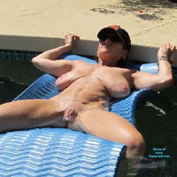 Random Pool Shots - Nude Wives, Big Tits, Outdoors, Shaved, Amateur