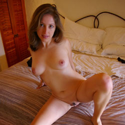 Totally Naked II - Nude Girls, Big Tits, Brunette, Bush Or Hairy, Amateur