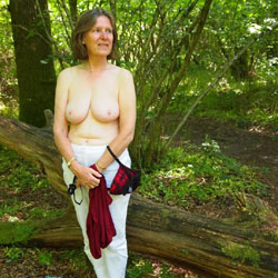 Woodland Path Impulse Undressing - Nude Amateurs, Big Tits, Brunette, Outdoors, Nature, Girls Stripping