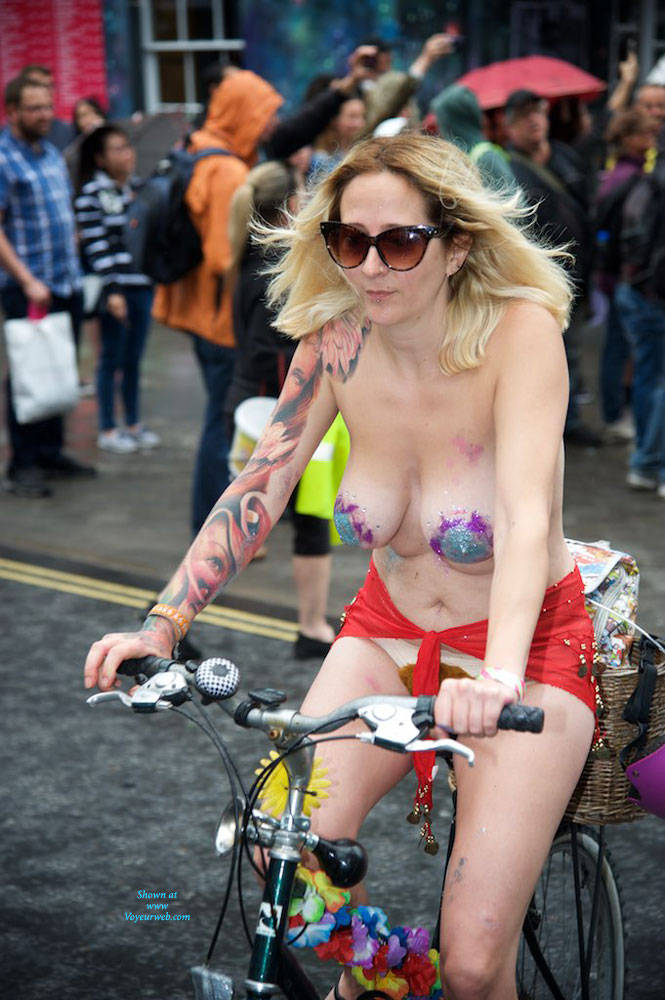 Pic #2 World Naked Bike Ride London 2 - Nude Girls, Big Tits, Public Exhibitionist, Outdoors, Public Place, Bush Or Hairy