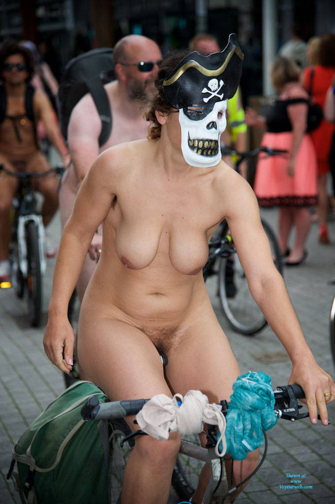 Pic #4 World Naked Bike Ride London 2 - Nude Girls, Big Tits, Public Exhibitionist, Outdoors, Public Place, Bush Or Hairy