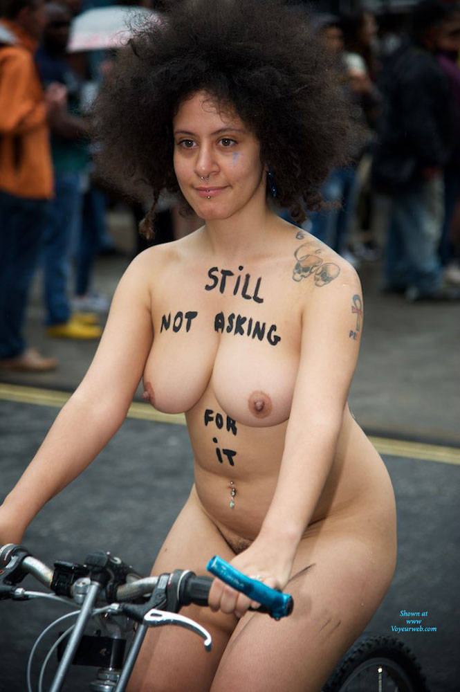 Pic #1 World Naked Bike Ride London 2 - Nude Girls, Big Tits, Public Exhibitionist, Outdoors, Public Place, Bush Or Hairy