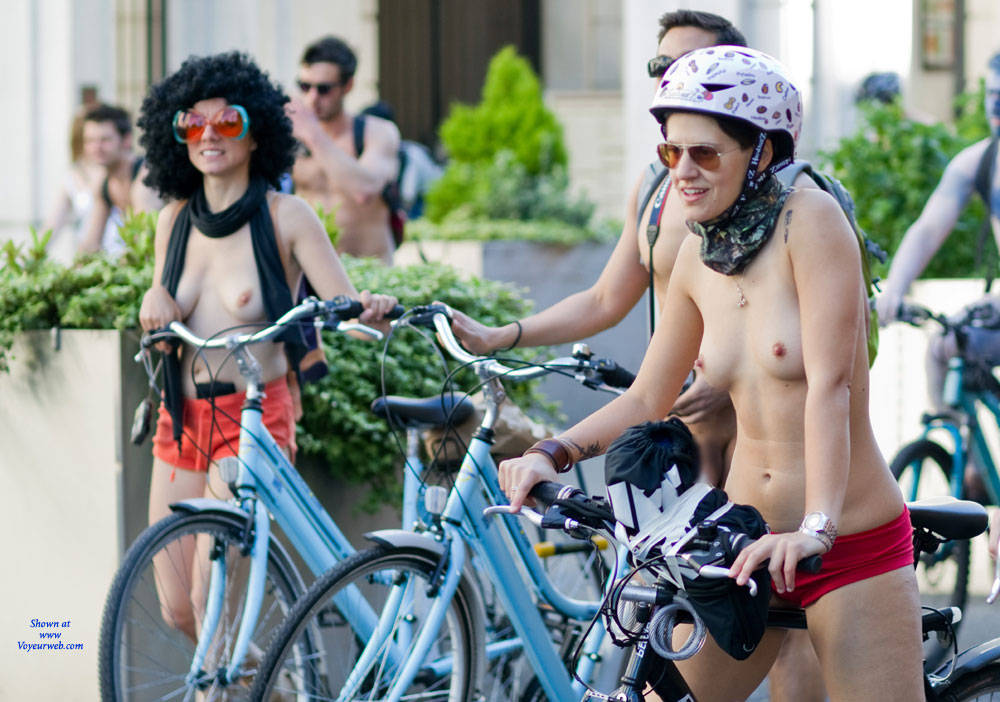 Pic #8 World Naked Bike Ride London 2 - Nude Girls, Big Tits, Public Exhibitionist, Outdoors, Public Place, Bush Or Hairy