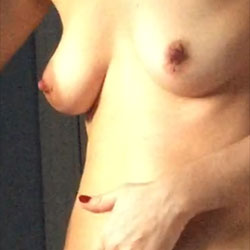 Wife Playing Around - Nude Wives, Bush Or Hairy, Amateur