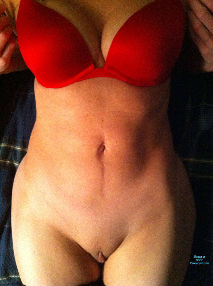 Pic #1 Red Bra, No Panties - Pantieless Wives, Lingerie, Shaved, Amateur