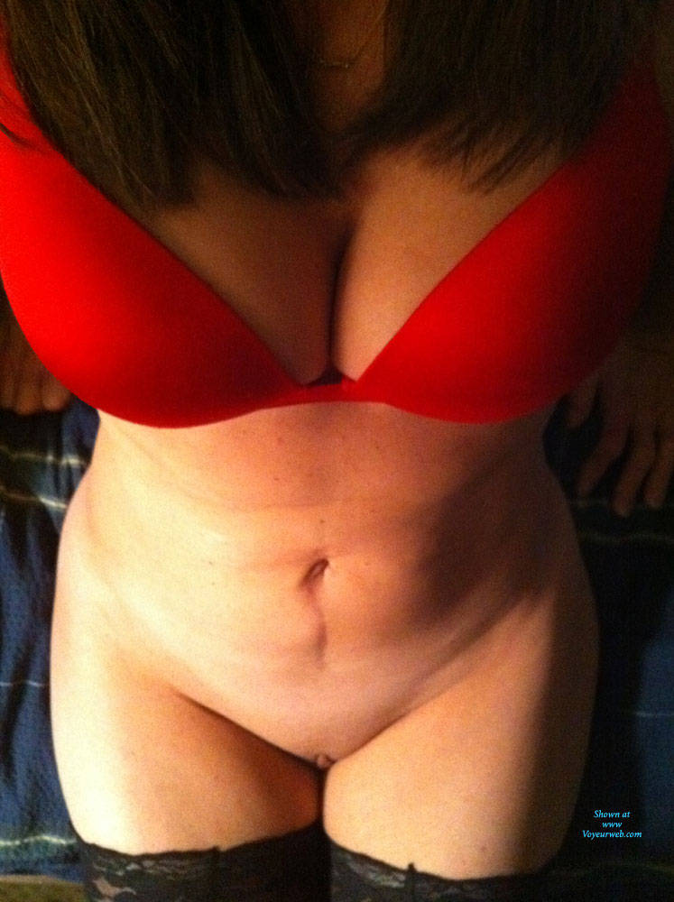 Pic #2 Red Bra, No Panties - Pantieless Wives, Lingerie, Shaved, Amateur