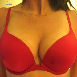 Red Bra, No Panties - Pantieless Wives, Lingerie, Shaved, Amateur