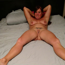 Lisa Loves Posting - Nude Amateurs, Big Tits, Brunette, Toys, Body Piercings, Tattoos, Shaved