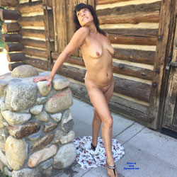 Angel Goes Public - Nude Girls, Brunette, Outdoors, Shaved, Amateur