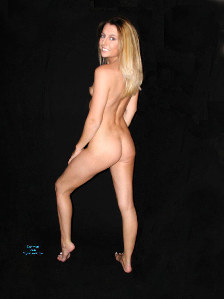mother and daughter nude picture poses