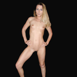 Blonde's Naked Photoshoot - Blonde Hair, Firm Tits, Full Nude, Hard Nipple, Indoors, Nipples, Hairless Pussy, Naked Girl, Sexy Body, Sexy Feet, Sexy Figure, Sexy Girl, Sexy Legs, Sexy Woman