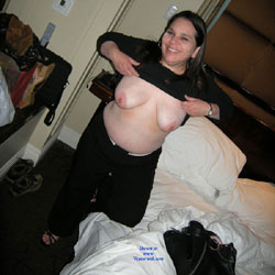 Apologise, Amateur mature wife nude on bed