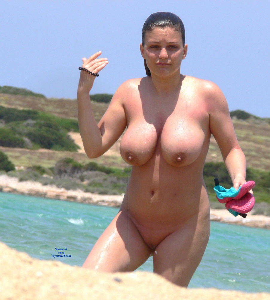 Those amazing huge hot boobs topless on the beach