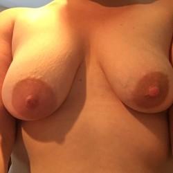 Medium tits of my wife - Aly84