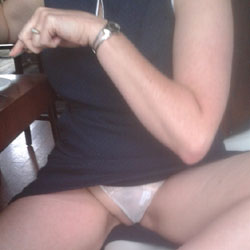 Pussy 4 Lunch! - Flashing, Public Place, Amateur