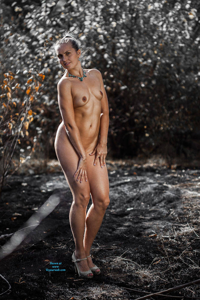 Pic #6 Ashes - Nude Girls, High Heels Amateurs, Outdoors