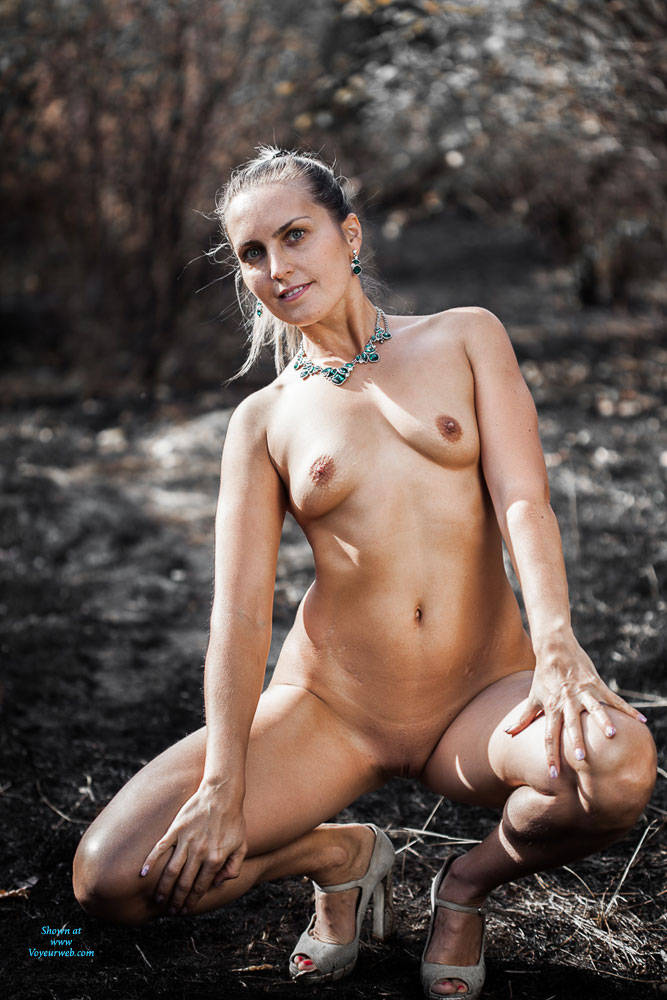 Pic #2 Ashes - Nude Girls, High Heels Amateurs, Outdoors