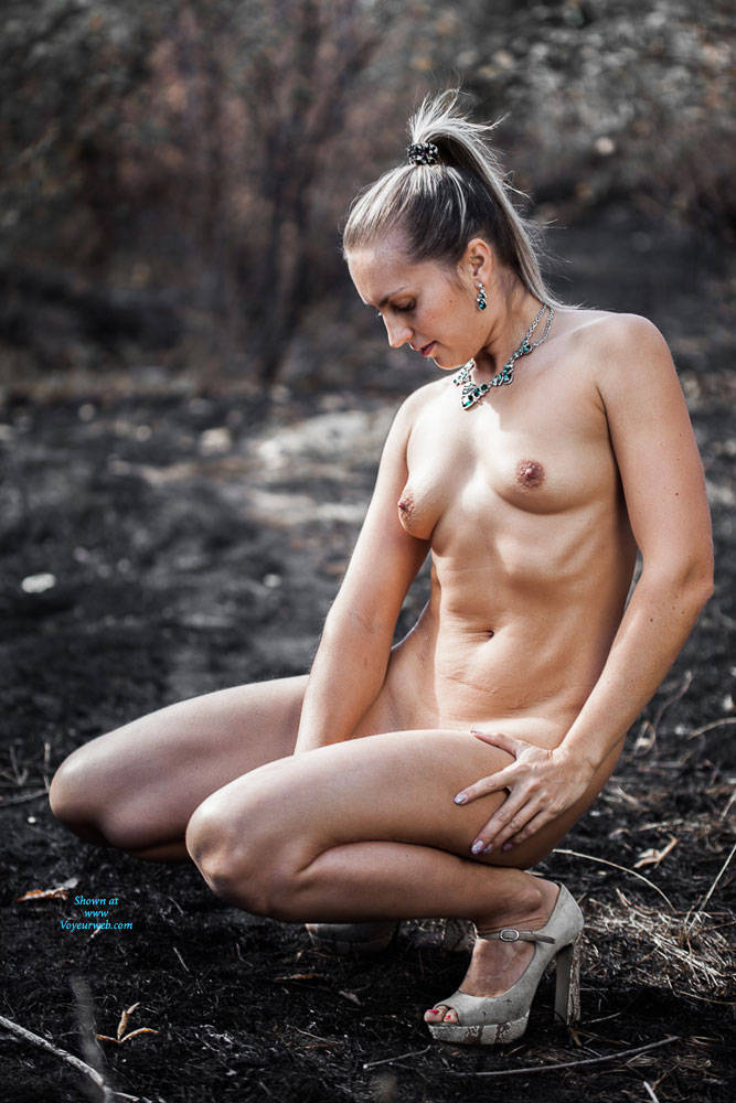 Pic #8 Ashes - Nude Girls, High Heels Amateurs, Outdoors
