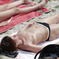 Voyeur Topless Beach 2 - Topless Girls, Brunette, Beach Voyeur