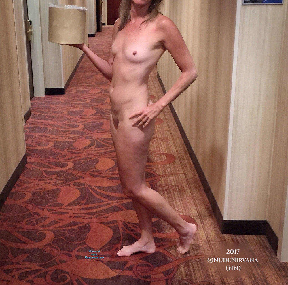 Pic #7 Hotel Hallway Surprise - Nude Wives, Public Exhibitionist, Flashing, Public Place, Amateur, Shaved
