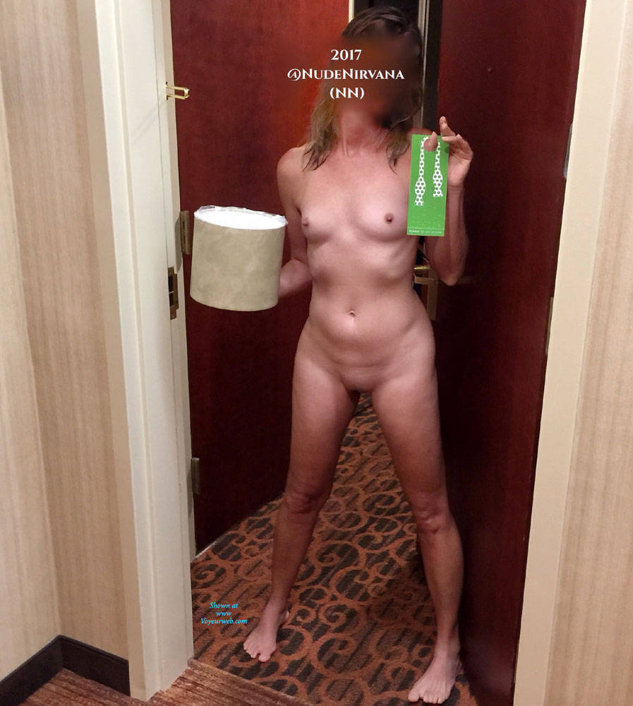 Pic #10 Hotel Hallway Surprise - Nude Wives, Public Exhibitionist, Flashing, Public Place, Amateur, Shaved
