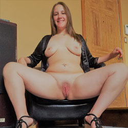 Posing Nude - Big Tits, Brunette, Toys, Shaved, Amateur