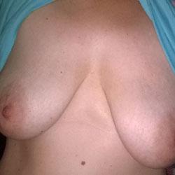 Shy Milf - Big Tits, Shaved, Amateur