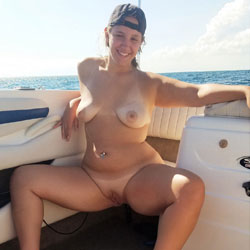 Boat Nudes - Nude Girls, Big Tits, Brunette, Outdoors, Shaved, Amateur