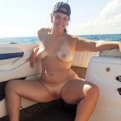 Boat Nudes - Nude Girls, Big Tits, Brunette, Outdoors, Shaved, Amateur
