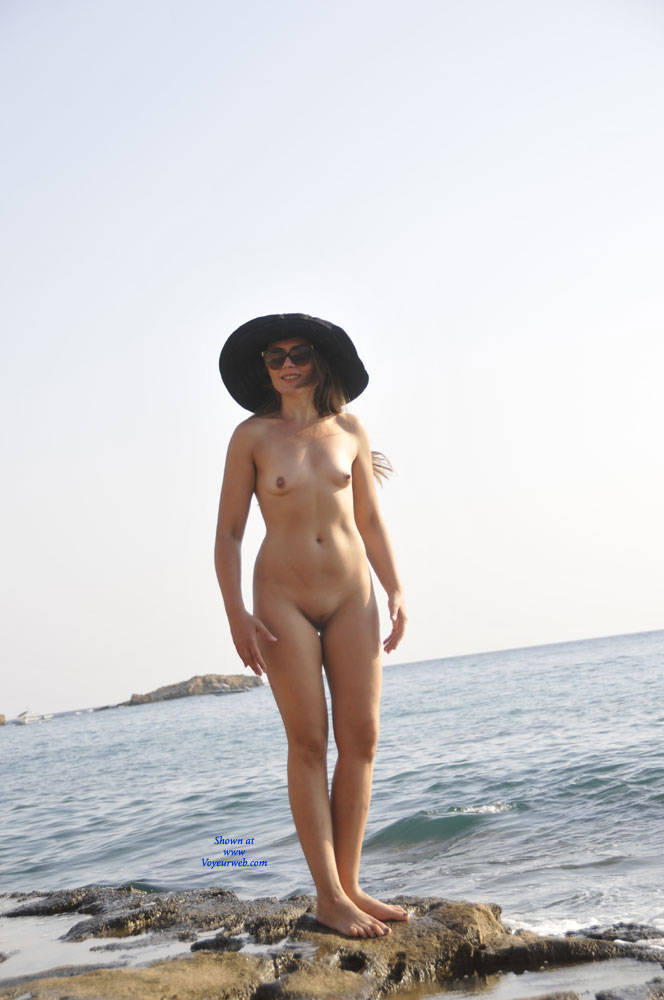 Pic #1 Sun And Sea - Nude Girls, Beach, Outdoors, Small Tits, Amateur