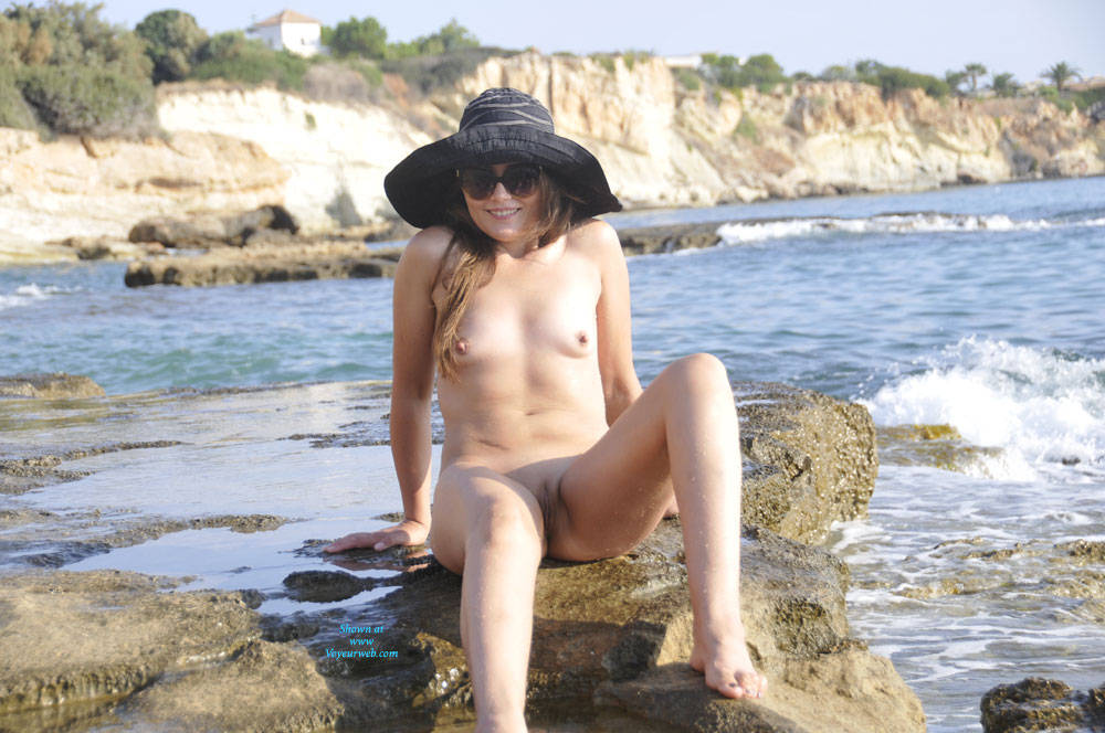 Pic #2 Sun And Sea - Nude Girls, Beach, Outdoors, Small Tits, Amateur