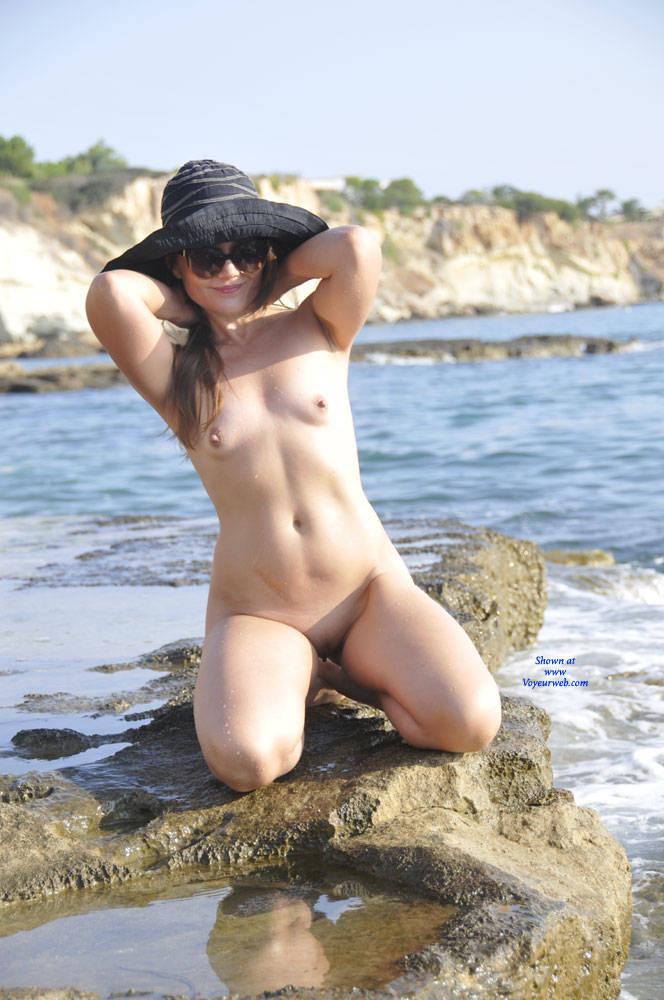 Pic #3 Sun And Sea - Nude Girls, Beach, Outdoors, Small Tits, Amateur