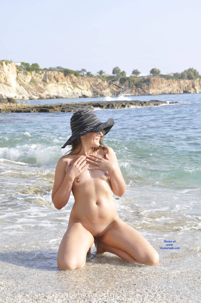 Pic #5 Sun And Sea - Nude Girls, Beach, Outdoors, Small Tits, Amateur