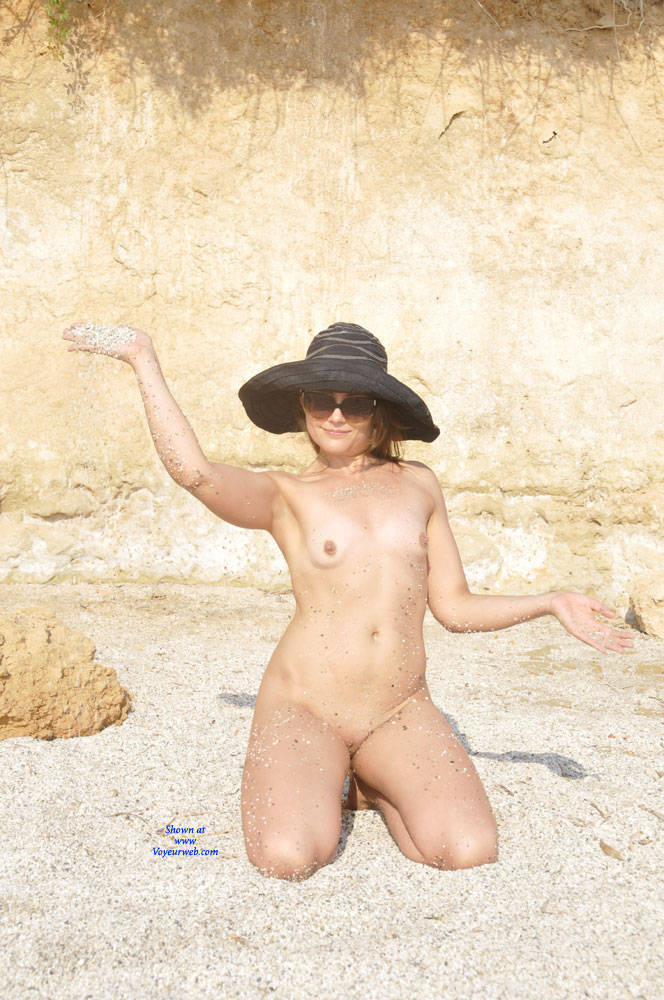 Pic #7 Sun And Sea - Nude Girls, Beach, Outdoors, Small Tits, Amateur