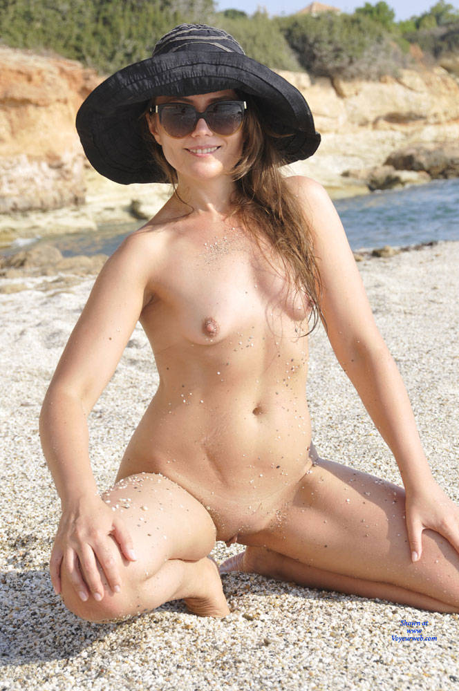 Pic #9 Sun And Sea - Nude Girls, Beach, Outdoors, Small Tits, Amateur