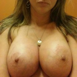 Very large tits of my wife - Wetone34