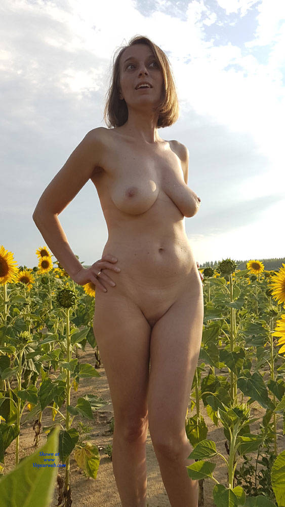 Poses Naked At The Sunflowers - Big Tits, Blonde Hair, Exposed In Public, Full Nude, Hanging Tits, Naked Outdoors, Nipples, Nude In Nature, Nude In Public, Shaved Pussy, Hot Girl, Naked Girl, Sexy Body, Sexy Boobs, Sexy Face, Sexy Figure, Sexy Girl, Sexy Legs, Sexy Woman , Blonde Girl, Short Hair, Naked, Outdoor, Sunflowers, Big Tits, Sexy Legs, Shaved Pussy