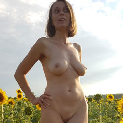 Poses Naked At The Sunflowers - Big Tits, Blonde Hair, Exposed In Public, Full Nude, Hanging Tits, Naked Outdoors, Nipples, Nude In Nature, Nude In Public, Shaved Pussy, Hot Girl, Naked Girl, Sexy Body, Sexy Boobs, Sexy Face, Sexy Figure, Sexy Girl, Sexy Legs, Sexy Woman