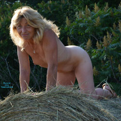 Time For Haying 2 - Nude Amateurs, Blonde, Outdoors