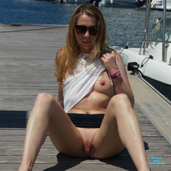 Walk In Corsica - Pantieless Wives, Outdoors, Shaved, Amateur