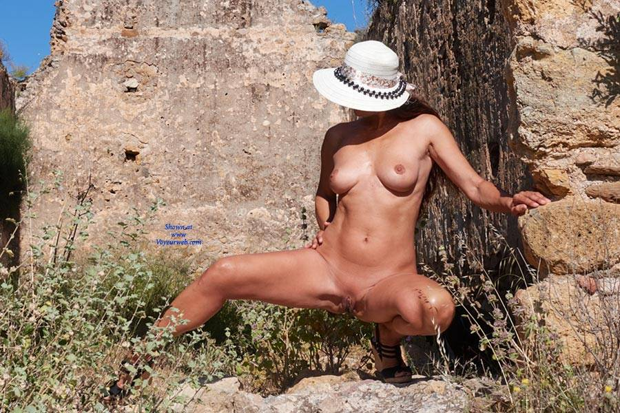 real world the ruins nude pics